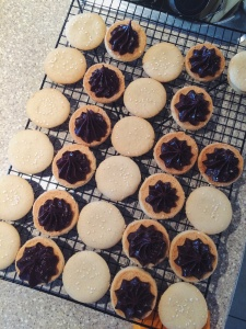 Tahini-shortbread-sandwich-cookies-assembly